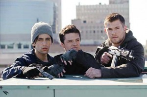 chris-hemsworth-josh-hutcherson-red-dawn