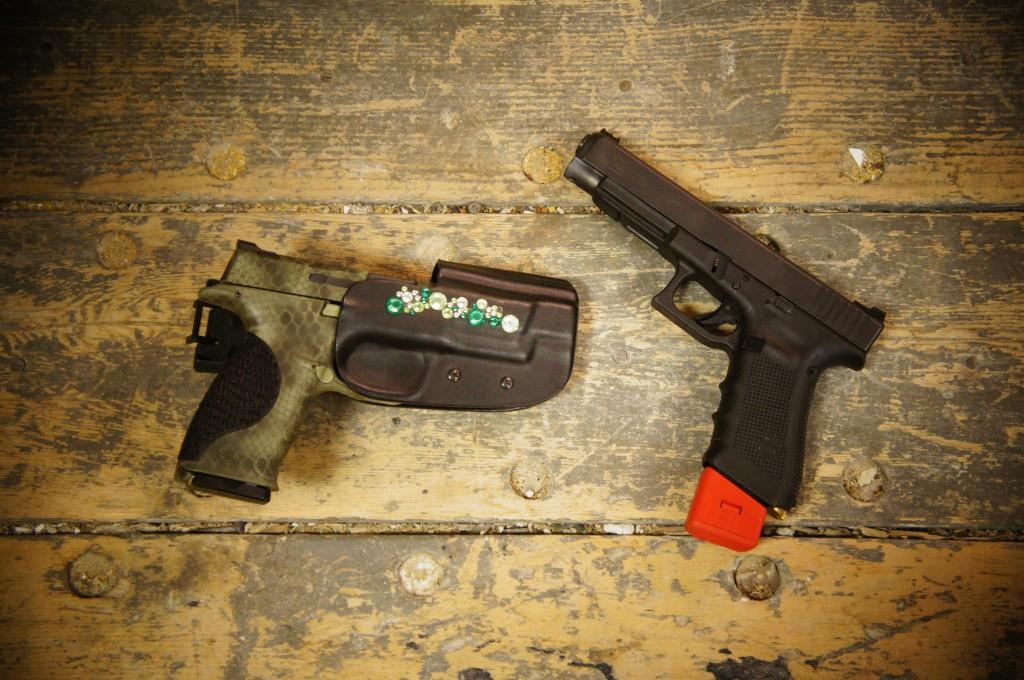 desk guns