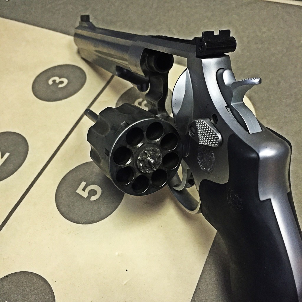 Smith & Wesson 929 cylinder open