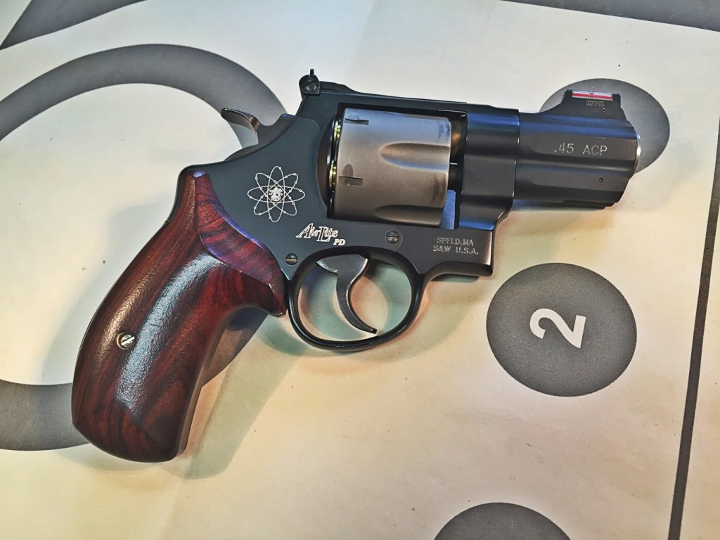 Smith & Wesson 325PD Right side